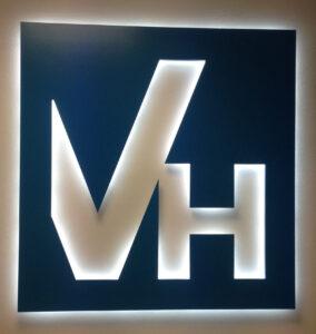 Logo retroilluminato Valdisieve Hospital